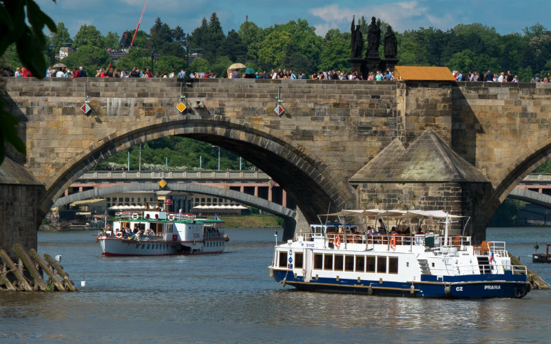 Prague Boat Trips & River Cruises